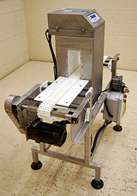 used Loma IQ2 FOOD METAL DETECTOR with BELT CONVEYOR, Alard item Y2433