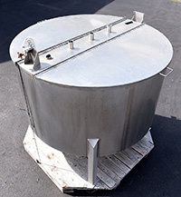 used Tasker 500 GALLON VERTICAL TANK, food grade stainless steel, heavy duty, Alard item Y3598
